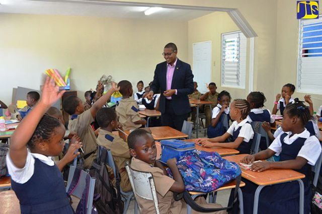 Floyd-Green-with-Ocho-Rios-Primary-students-in-class-2-640x425