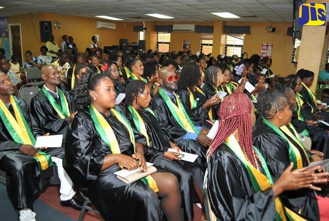 graduates-999-670x450